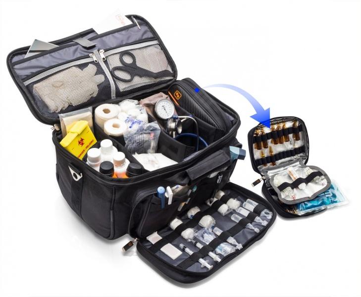 Сумка для медперсонала и тренеров / Тип переноски : на плече , ручка, рюкзак / Размер: 40 см X 21см Х 25 см  /  ( Испания )